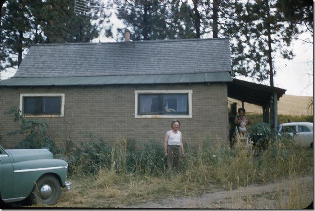 House by church 1956 (1)
